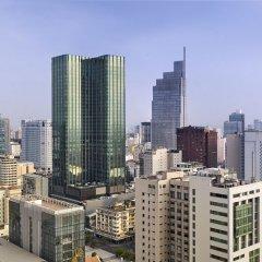 Отель The Reverie Saigon Residential Suites Вьетнам, Хошимин - отзывы, цены и фото номеров - забронировать отель The Reverie Saigon Residential Suites онлайн балкон