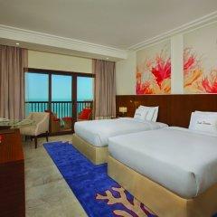 Отель DoubleTree by Hilton Resort & Spa Marjan Island 5* Стандартный номер с двуспальной кроватью фото 5