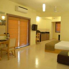 Отель Sandalwood Hotel & Retreat Индия, Гоа - отзывы, цены и фото номеров - забронировать отель Sandalwood Hotel & Retreat онлайн удобства в номере фото 2