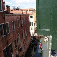 Отель San Marco Boutique Apartment Италия, Венеция - отзывы, цены и фото номеров - забронировать отель San Marco Boutique Apartment онлайн балкон