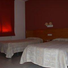 Отель Hostal Barnes Испания, Санта-Кристина-де-Аро - отзывы, цены и фото номеров - забронировать отель Hostal Barnes онлайн комната для гостей