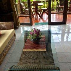 Отель Baan Laem Noi Villas интерьер отеля