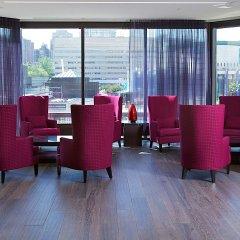 Отель DoubleTree by Hilton Montreal Канада, Монреаль - отзывы, цены и фото номеров - забронировать отель DoubleTree by Hilton Montreal онлайн интерьер отеля