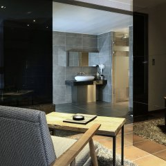 IMT Hotel бассейн