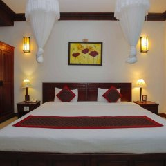 Отель Hoi An Garden Villas сейф в номере