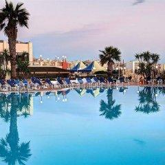 Отель Coastline бассейн