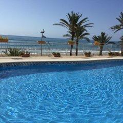 Отель Calafell Beach бассейн фото 3