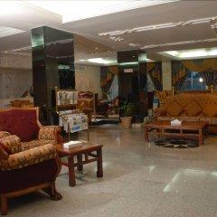 Отель Al Bustan Hotel Flats ОАЭ, Шарджа - отзывы, цены и фото номеров - забронировать отель Al Bustan Hotel Flats онлайн интерьер отеля фото 3