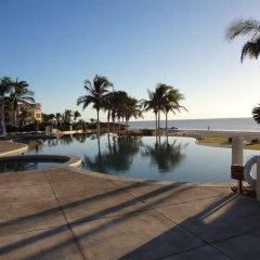 Отель Cabo Marina Beach Condos Bed And Breakfast - Adult Only бассейн