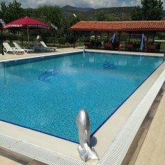 Caravan Camping Турция, Дикили - отзывы, цены и фото номеров - забронировать отель Caravan Camping онлайн бассейн фото 3