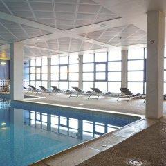 Vila Gale Porto Hotel бассейн