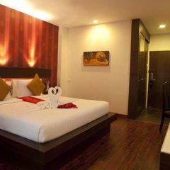 Отель Suvarnabhumi Suite Бангкок сейф в номере