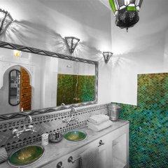 Отель Riad Dar Eliane Марокко, Марракеш - отзывы, цены и фото номеров - забронировать отель Riad Dar Eliane онлайн ванная