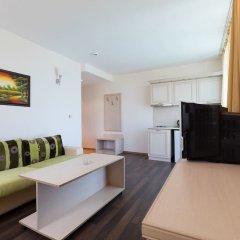 Апартаменты One Bedroom Apartment with Balcony in Avalon Complex комната для гостей фото 5