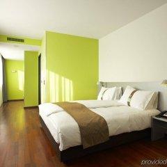 Отель Holiday Inn Zurich - Messe комната для гостей фото 5