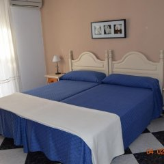 Отель Camping-Bungalows El Faro Испания, Кониль-де-ла-Фронтера - отзывы, цены и фото номеров - забронировать отель Camping-Bungalows El Faro онлайн комната для гостей фото 4
