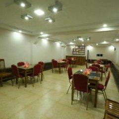 Отель Golden Dragon Hotel Мьянма, Пром - отзывы, цены и фото номеров - забронировать отель Golden Dragon Hotel онлайн помещение для мероприятий