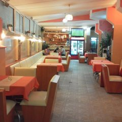 Отель Krasi Hotel Болгария, Равда - отзывы, цены и фото номеров - забронировать отель Krasi Hotel онлайн гостиничный бар