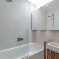 Отель Primrose Hill Artist Studio Великобритания, Лондон - отзывы, цены и фото номеров - забронировать отель Primrose Hill Artist Studio онлайн ванная