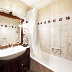 Отель Grand Hotel Smeraldo Beach Италия, Байя-Сардиния - 1 отзыв об отеле, цены и фото номеров - забронировать отель Grand Hotel Smeraldo Beach онлайн ванная фото 2