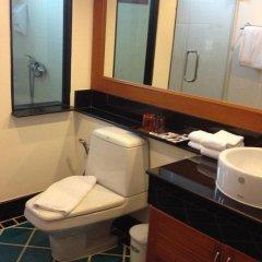 Отель The Chalet Phuket Resort Таиланд, Пхукет - отзывы, цены и фото номеров - забронировать отель The Chalet Phuket Resort онлайн ванная фото 2