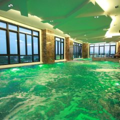 Отель Vertical Suite Бангкок бассейн