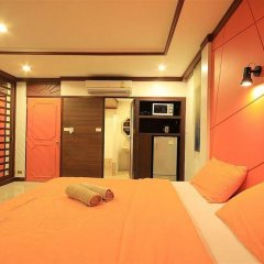 Отель The Palm Delight Lodge сейф в номере