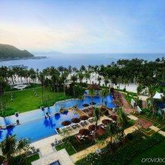 Отель Anantara Sanya Resort & Spa бассейн