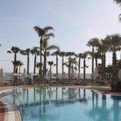 Constantinos The Great Beach Hotel бассейн