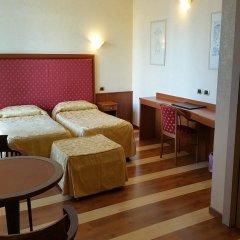 Отель Jolly Aretusa Palace Hotel Италия, Сиракуза - отзывы, цены и фото номеров - забронировать отель Jolly Aretusa Palace Hotel онлайн комната для гостей фото 4