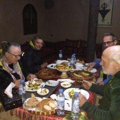 Отель Dar Nadia Bendriss Марокко, Уарзазат - отзывы, цены и фото номеров - забронировать отель Dar Nadia Bendriss онлайн питание