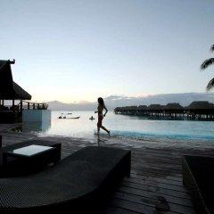 Отель Sofitel Moorea la Ora Beach Resort бассейн фото 5