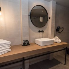 Отель BED in Athens ванная