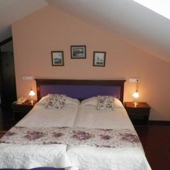 Hotel Club-E комната для гостей
