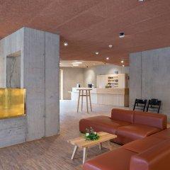 Отель Youth Hostel Gstaad Saanenland Швейцария, Гштад - отзывы, цены и фото номеров - забронировать отель Youth Hostel Gstaad Saanenland онлайн комната для гостей