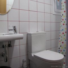 Отель Hostal Athenas ванная