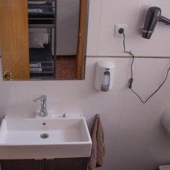 Отель Hostel One Madrid Испания, Мадрид - отзывы, цены и фото номеров - забронировать отель Hostel One Madrid онлайн ванная