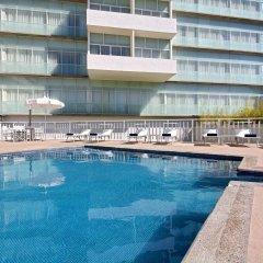 Отель Holiday Inn Express Guadalajara Expo бассейн