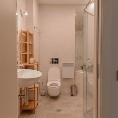 Отель FM Luxury 1-BDR Apartment - Sofia Dream Desert Болгария, София - отзывы, цены и фото номеров - забронировать отель FM Luxury 1-BDR Apartment - Sofia Dream Desert онлайн ванная