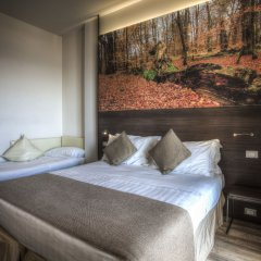 Hotel Life комната для гостей
