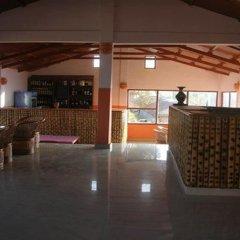 Отель Himalayan Deurali Resort Непал, Лехнат - отзывы, цены и фото номеров - забронировать отель Himalayan Deurali Resort онлайн интерьер отеля фото 3