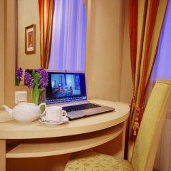 Гостиница Октябрьская 4* Стандартный номер с двуспальной кроватью фото 19