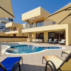Отель Fig Tree Bay Villa 10 Кипр, Протарас - отзывы, цены и фото номеров - забронировать отель Fig Tree Bay Villa 10 онлайн бассейн фото 3
