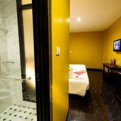 Отель Khaosan Palace Hotel Таиланд, Бангкок - 1 отзыв об отеле, цены и фото номеров - забронировать отель Khaosan Palace Hotel онлайн ванная