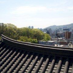 Отель AMASS Hotel Insadong Seoul Южная Корея, Сеул - отзывы, цены и фото номеров - забронировать отель AMASS Hotel Insadong Seoul онлайн балкон