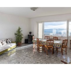 Апартаменты Apartment With 4 Bedrooms in Recanati, With Wonderful Mountain View, Enclosed Garden and Wifi - 8 km From the Beach Реканати комната для гостей фото 4