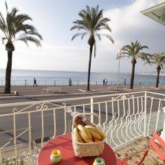 Отель Happy Few - Les Ponchettes Франция, Ницца - отзывы, цены и фото номеров - забронировать отель Happy Few - Les Ponchettes онлайн пляж фото 2