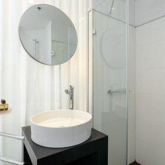 Отель Gordon By The Beach Тель-Авив ванная