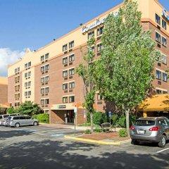 Отель Comfort Inn University Center парковка