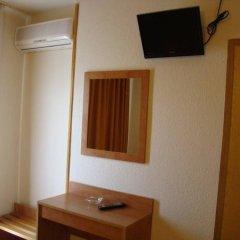 Отель Ciutadella Испания, Курорт Росес - 1 отзыв об отеле, цены и фото номеров - забронировать отель Ciutadella онлайн удобства в номере фото 2